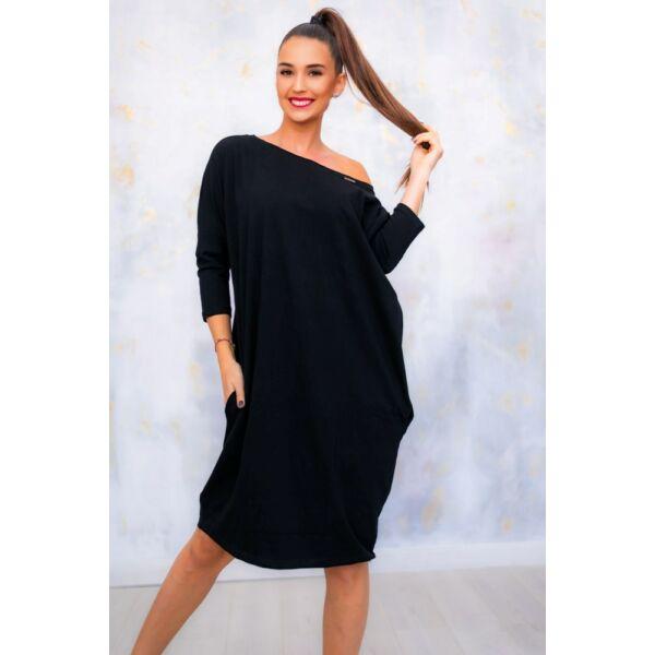 Fekete oldalzsebes bő fazonú ruha