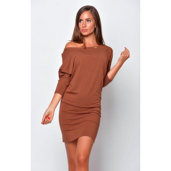 Bő fazonú barna ruha