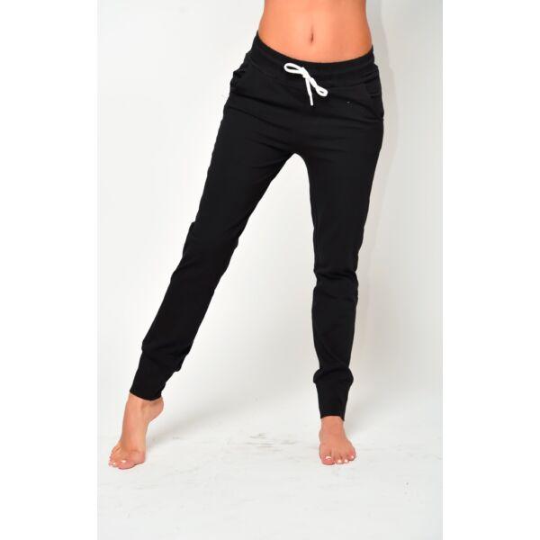 Fekete szabadidő nadrág