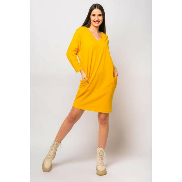 V nyakú laza fazonú mustársárga ruha