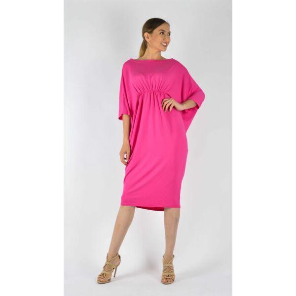 Mell alatt húzott pink ruha