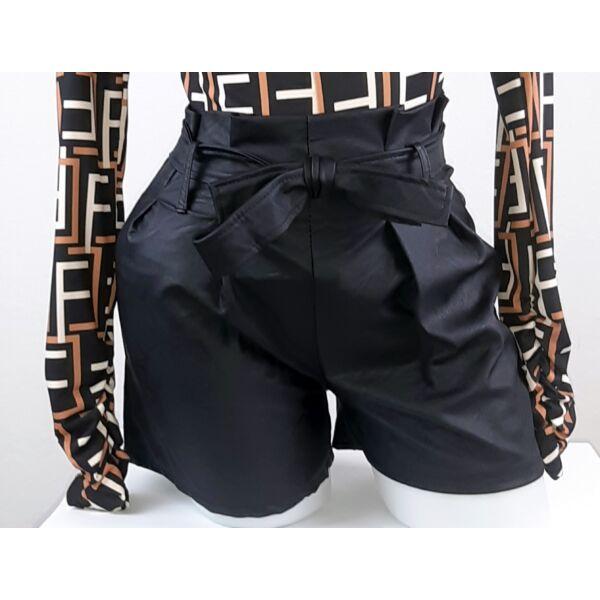 Műbőr fekete rövid nadrág