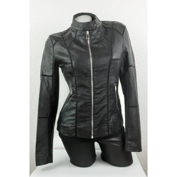 Állónyakú,cipzáros fekete műbőr dzseki