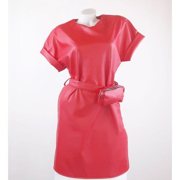 Műbőr piros mini ruha ,kis táskával
