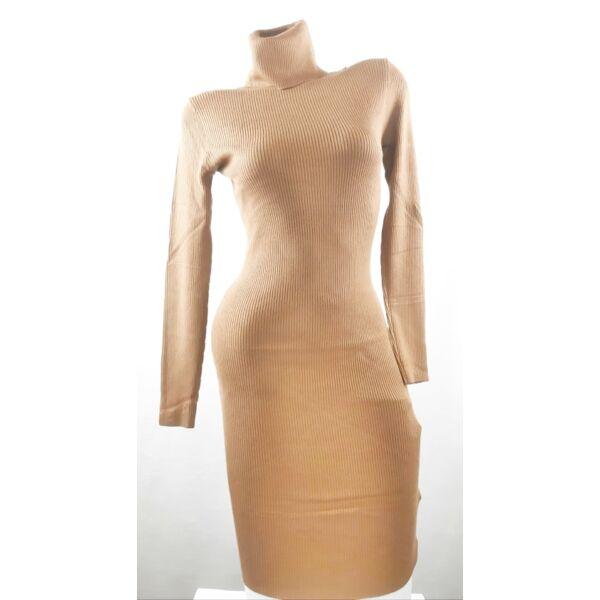 Garbós barna kötött ruha