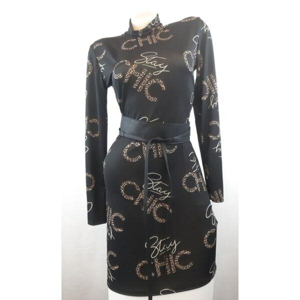 Fekete alapon mIntás félgarbós ruha