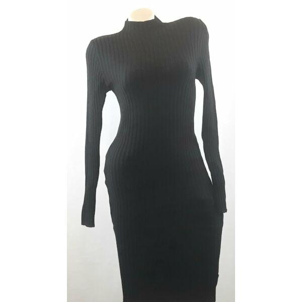 Bordás kötött testhezálló fekete ruha