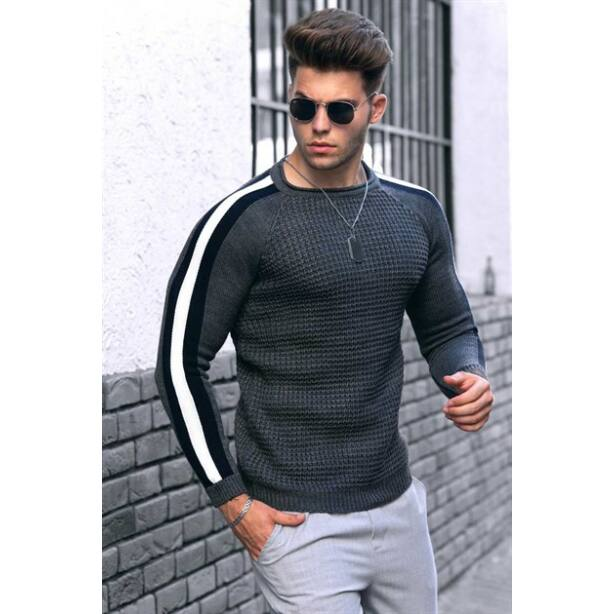 Egyedi sötétszürke kötött pulóver