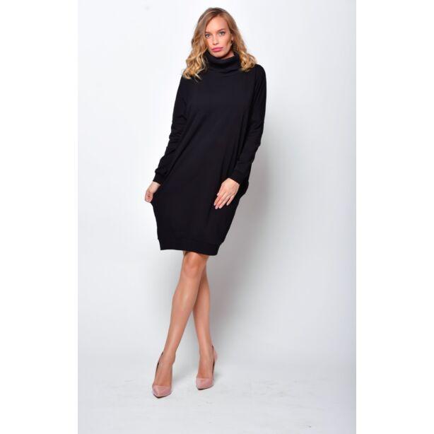 Magas nyakú bő fazonú fekete ruha