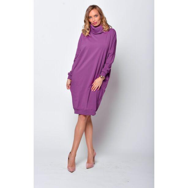 Magas nyakú bő fazonú lila ruha