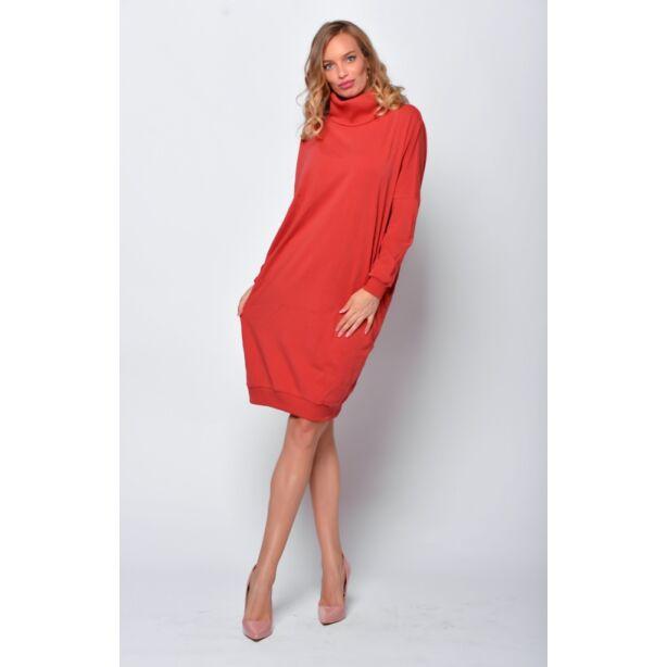 Magas nyakú bő fazonú fahéj színű ruha