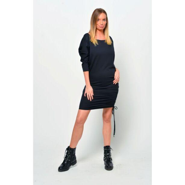 Oldalt húzott fekete mini ruha