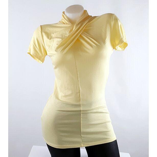 Halvány sárga félgarbós csavart nyakú felső