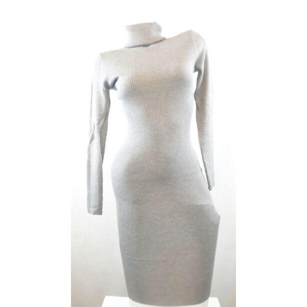 Garbós szürke kötött ruha