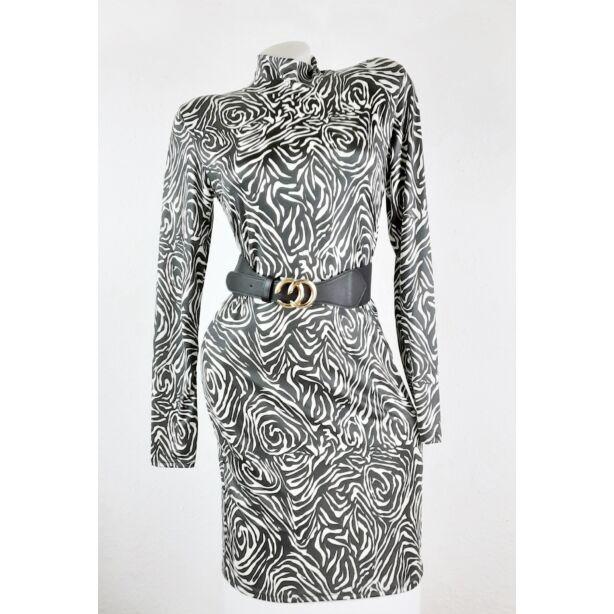Fehér-fekete mintás félgarbós ruha